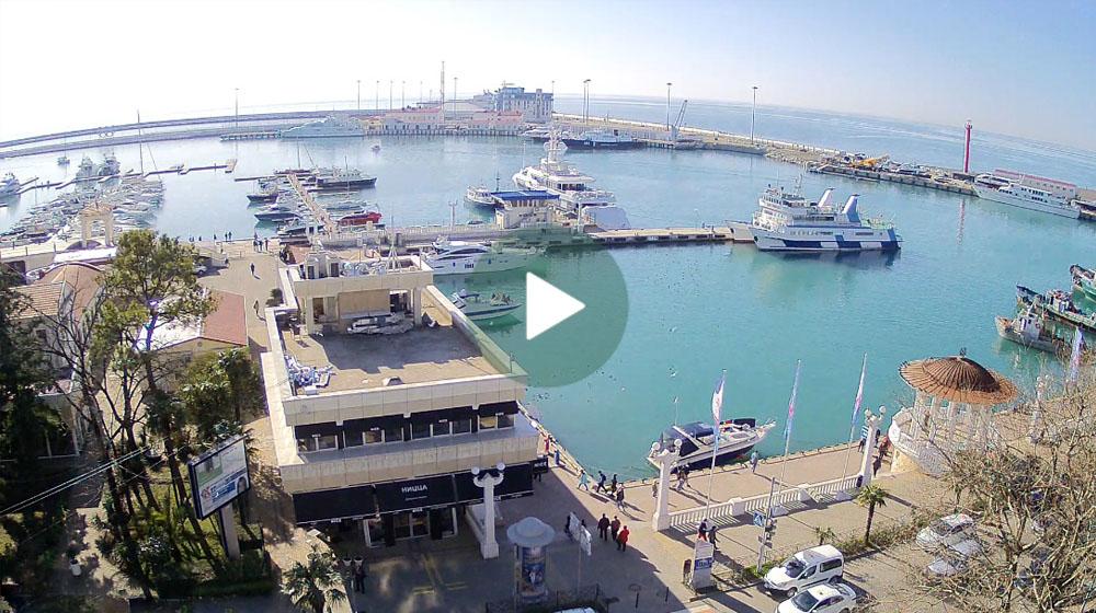 Сочи. Веб-камера с видом на причал морского порта